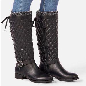Size 7.5 Black Flat Boots